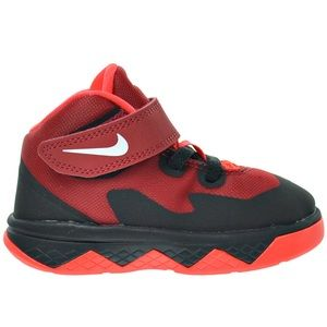 Toddler's Red Nike Soldier VIII Sneakers ❤️